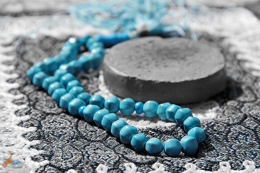 http://saghar14.persiangig.com/blue_rosary.jpg